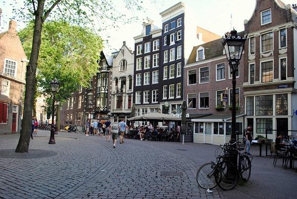 Cosa vedere ad Amsterdam, la città delle bici e dei canali | Sempre ...